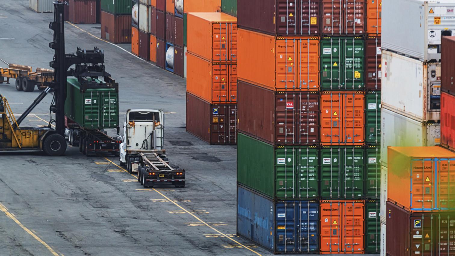 Phòng ngừa, ứng phó sự cố tràn dầu cho cảng hàng hoá